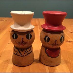 VINTAGE WOODEN KITTY CAT SALT & PEPPER SHAKERS